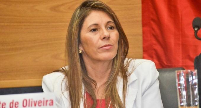 Dalete Oliveira toma posse como Prefeita de Cajamar